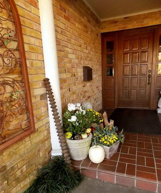 fall-front-door-display