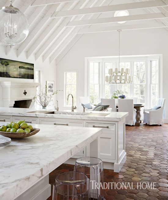 stunning white kitchen