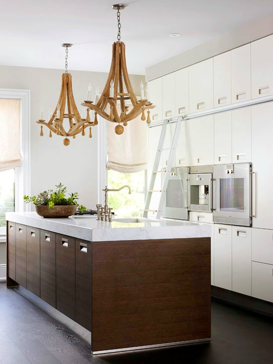 white-painted-cabinets-natural-wood-contrast
