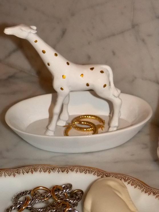 giraffe-trinket-holder