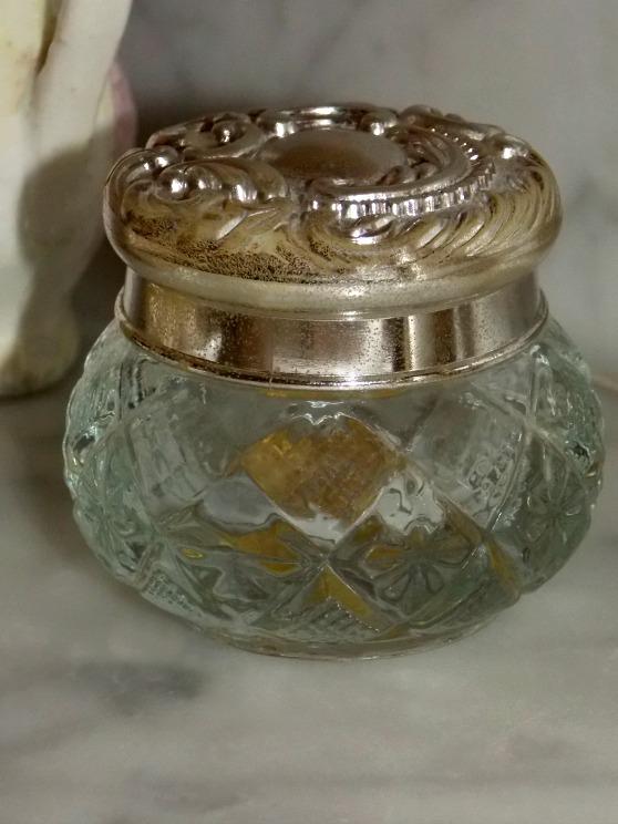 powder-jar