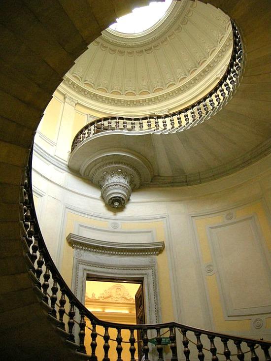 Palazzo_della_banca_d'italia,_fi,_scalone_10