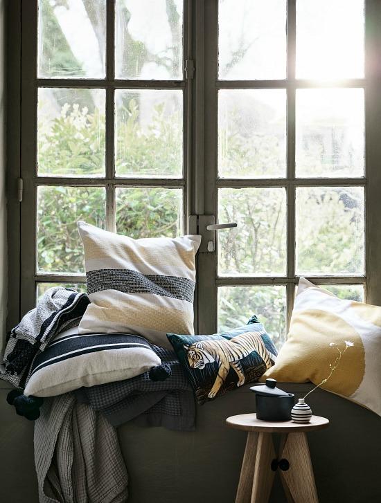 spring-pillows