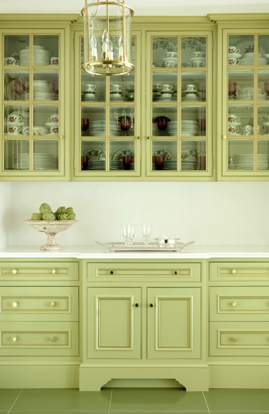 Kitchen_Green_Cabinets_DE10