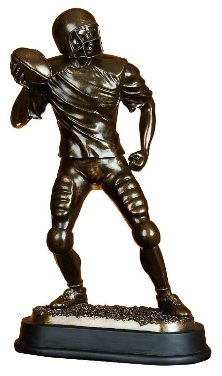 football-player-statue-sculpture