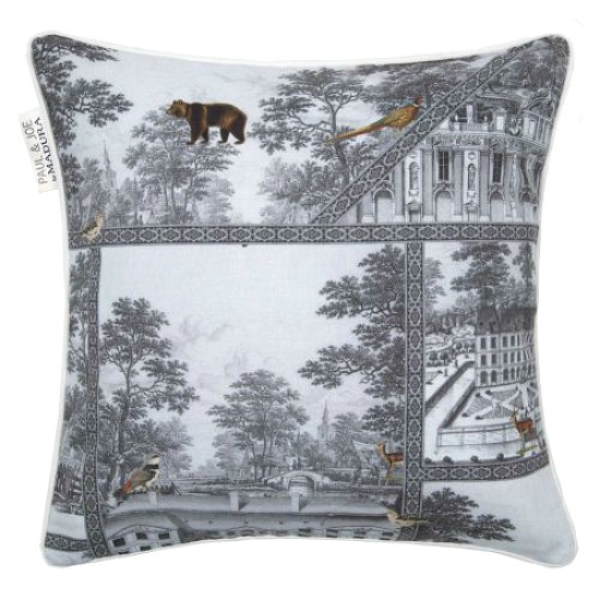 madura-toile-pillow1