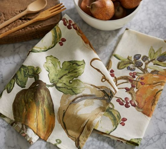 watercolor-painted-pumpkin-kitchen-towel-o