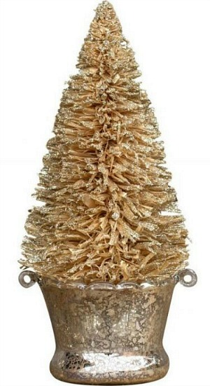 gold-Raffia-Christmas-Tree