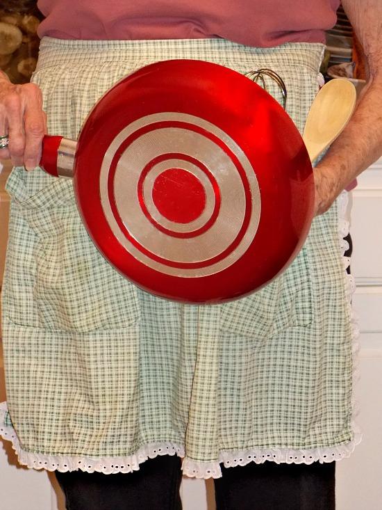 mama-PITH-apron