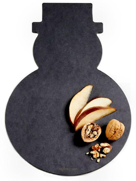 snowman-shaped-cutting-cheese-board