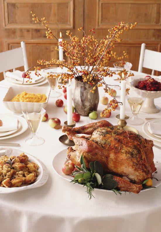 thanksgiving-tips-white-linens