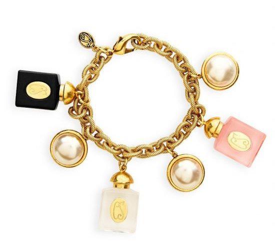 perfume-pearls-charm-bracelet