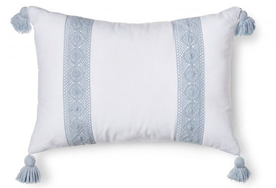 blue-white-crochet-pillow