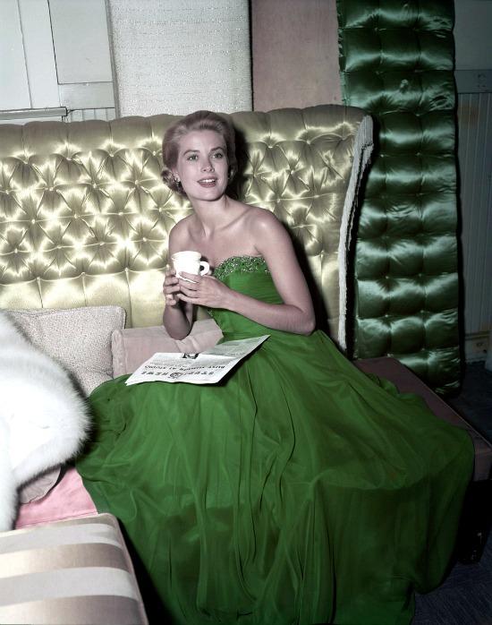 fashion-2015-08-grace-kelly-style-fashion-1954-st-patricks-day-main