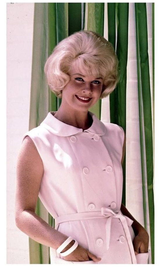 Doris-Day-pink