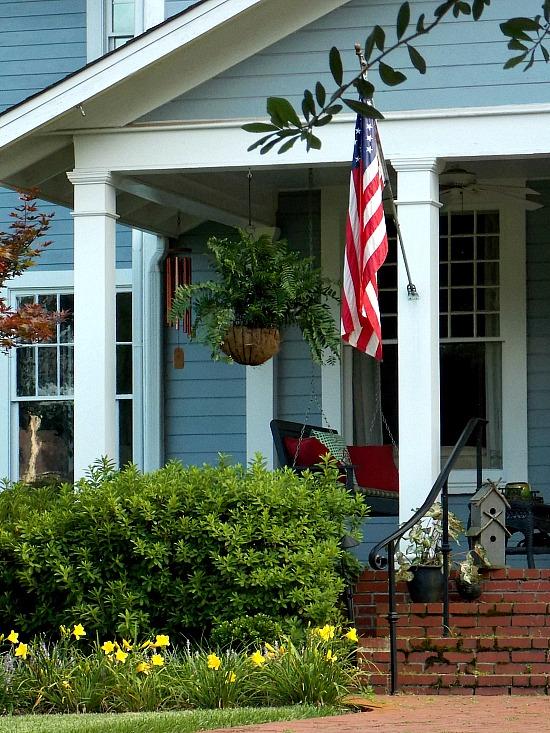 ed-white-blue-front-porch