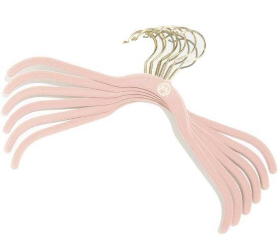 velvet-hangers