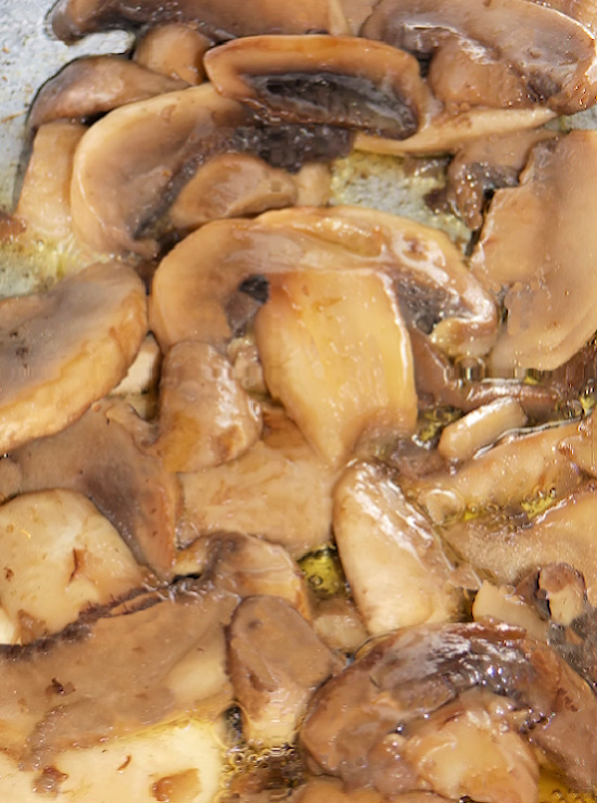 sauteed-mushrooms-in-butter