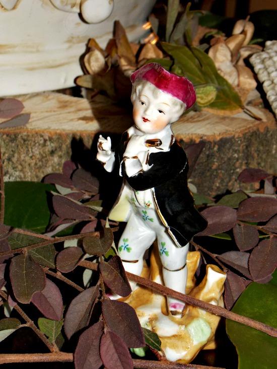 French-figurine