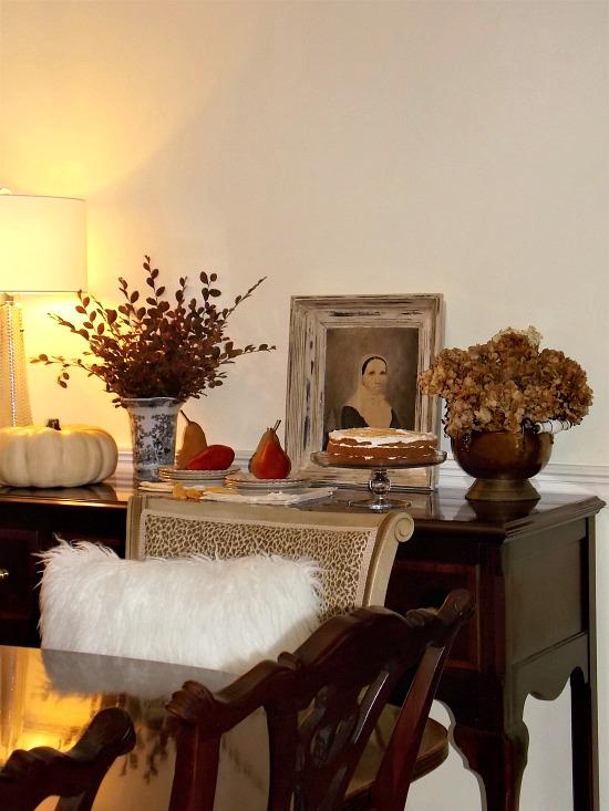 dining-room-buffet-fall-decor