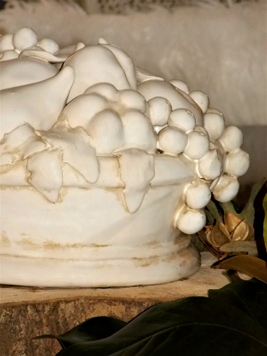 porcelain-fruit-centerpiece