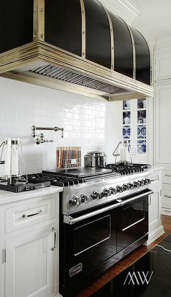 black-barrel-kitchen-hood-black-viking-range