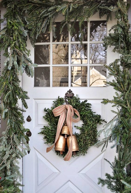 garland-wreath-front-door