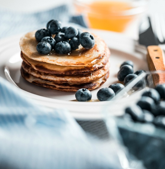 breakfast-pancakes-with-blueberries