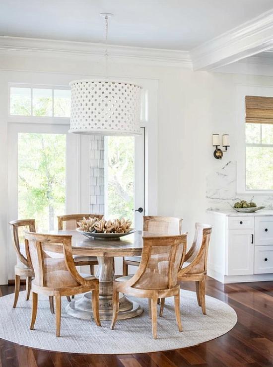 Mary Hannah Interiors beach style dining room