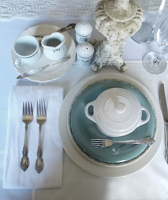 French-themed-tablescape