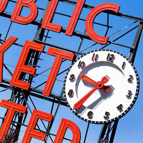Seattle-Market-clock