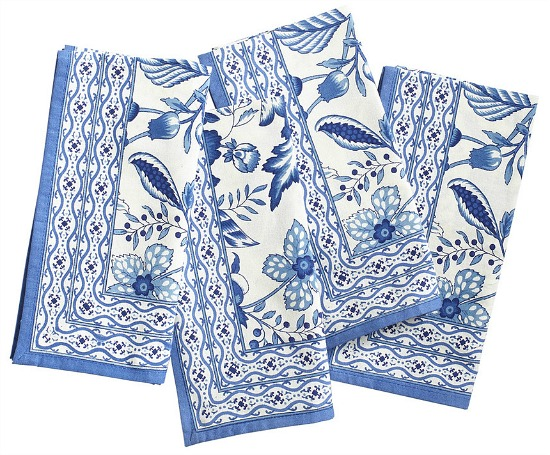 blue-white-flower-dinner-napkins