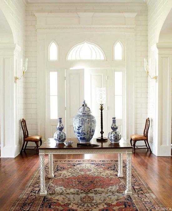 chinoiserie-porcelain-foyer-table