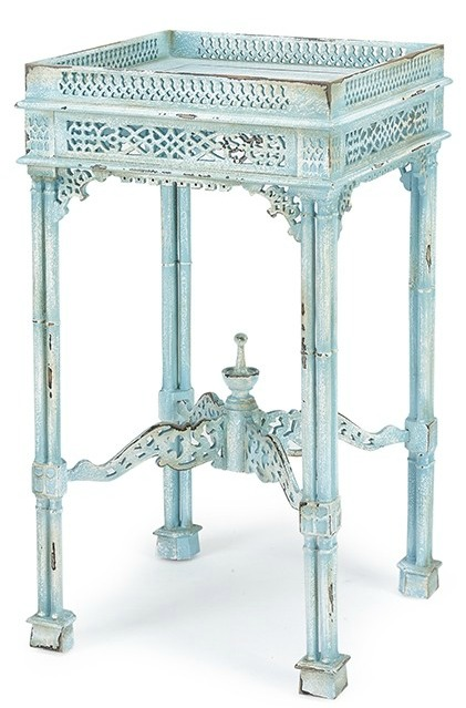 Chippendale-end-table