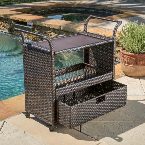 outdoor-cart-serving
