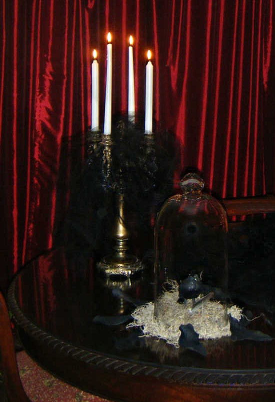 Halloween-tablescape-with-candles