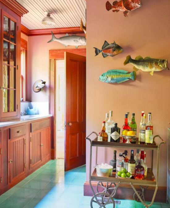bar-cart-fish-on-wall-Martha-Stewart-photo-Pieter-Estersohn
