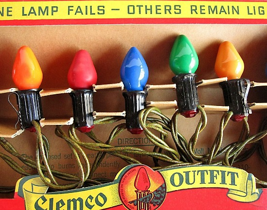 clemco-outfit-big-bulb-Christmas-lights