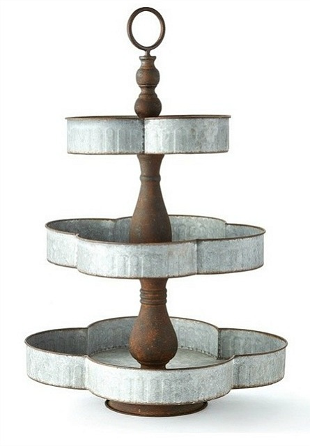 Galvanized Cloverleaf 3-Tier Display Stand