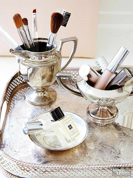 cosmetic brushes holders