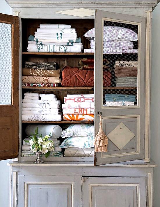 linen-armoire