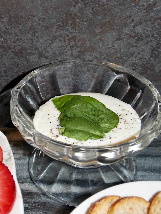 homemade-buttermilk-dressing-1