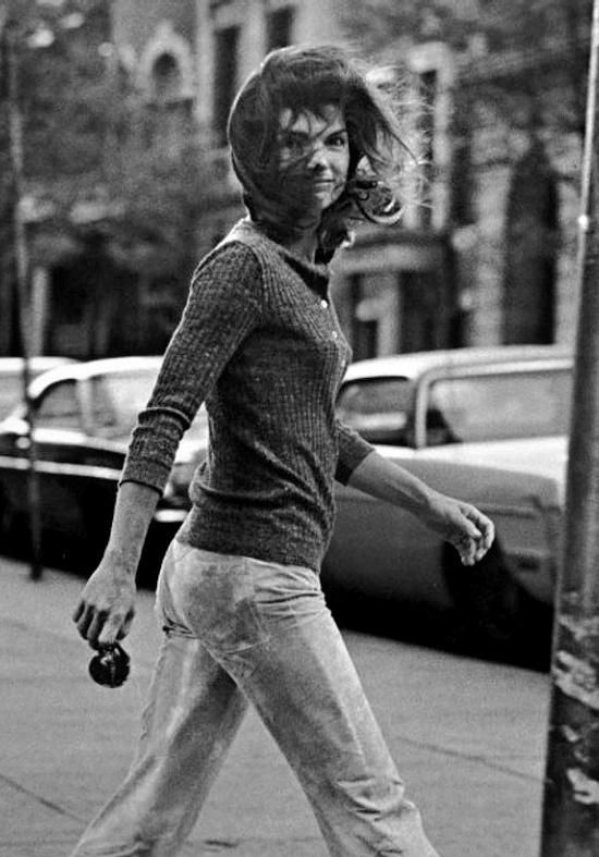 Jackie Kennedy Onassis paparazzi photo