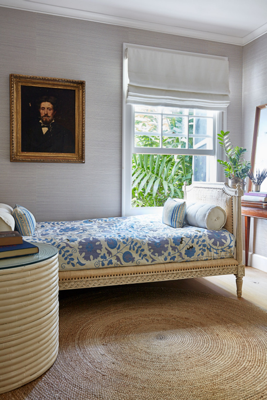 Oly studio daybed AD