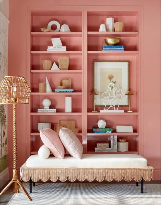 Suzanne-Kasler-Custis-Salmon-pink-coastal-theme-bedroom-Brian-Woodcock