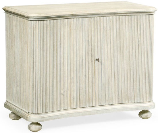 William+Yeoward+-+Country+House+Chic+Accent+Cabinet (2)