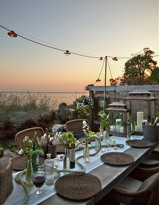 coastal-theme-tablescape-by-the-sea