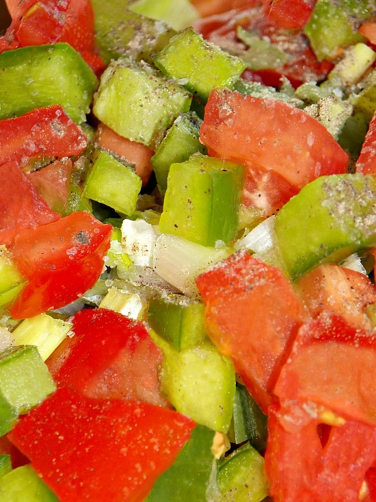tomatoes-bell-pepper-green-onions