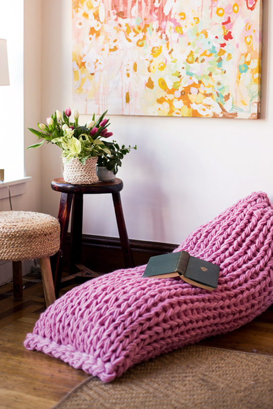 arm knitted lounger