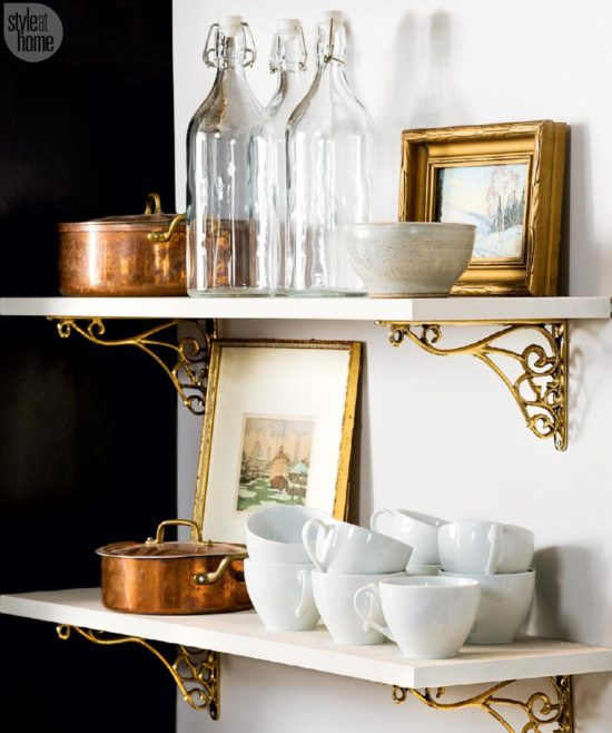 copper-pans-on-shelves